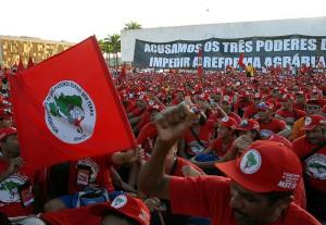 Brasília - Cerca de 18 mil militantes participam da marcha de encerramento do 5º Congresso do Movimento dos Trabalhadores Rurais Sem Terra (MST), Foto von  Agência Brasil