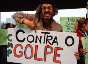 São Paulo - Ato organizado pela Frente Brasil Popular contra governo de Michel Temer na Avenida Paulista, região central (Rovena Rosa/Agência Brasil)