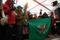 AktivistInnen von La Via Campesina demonstrieren auf dem Klimagipfel in Paris 2015 für Ernährungssouveränität und Klimagerechtigkeit Foto: Foto: Hands on the Land for Food Sovereignty